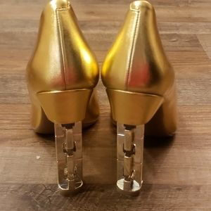 Katy Perry Collections Shoes - NWOT! Katy Perry Suzzie gold link heels size 8